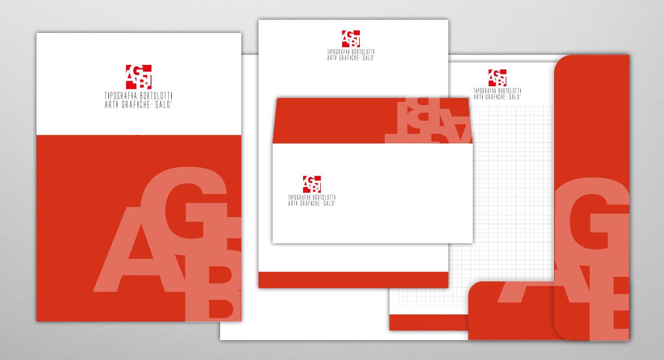 Stampa block notes, buste da lettera, carta intestata, cartellina e materiale da ufficio personalizzato